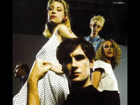 The Go-Betweens - Poison in the walls