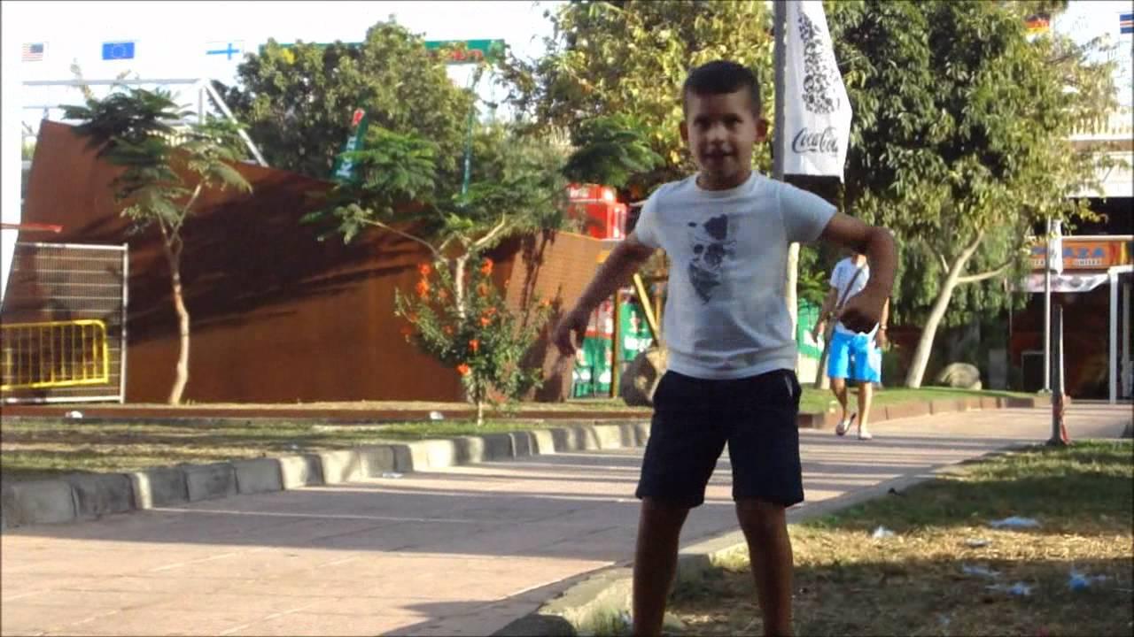 kidgay Dancing kid @ Gay Pride Maspalomas 2011 - YouTube