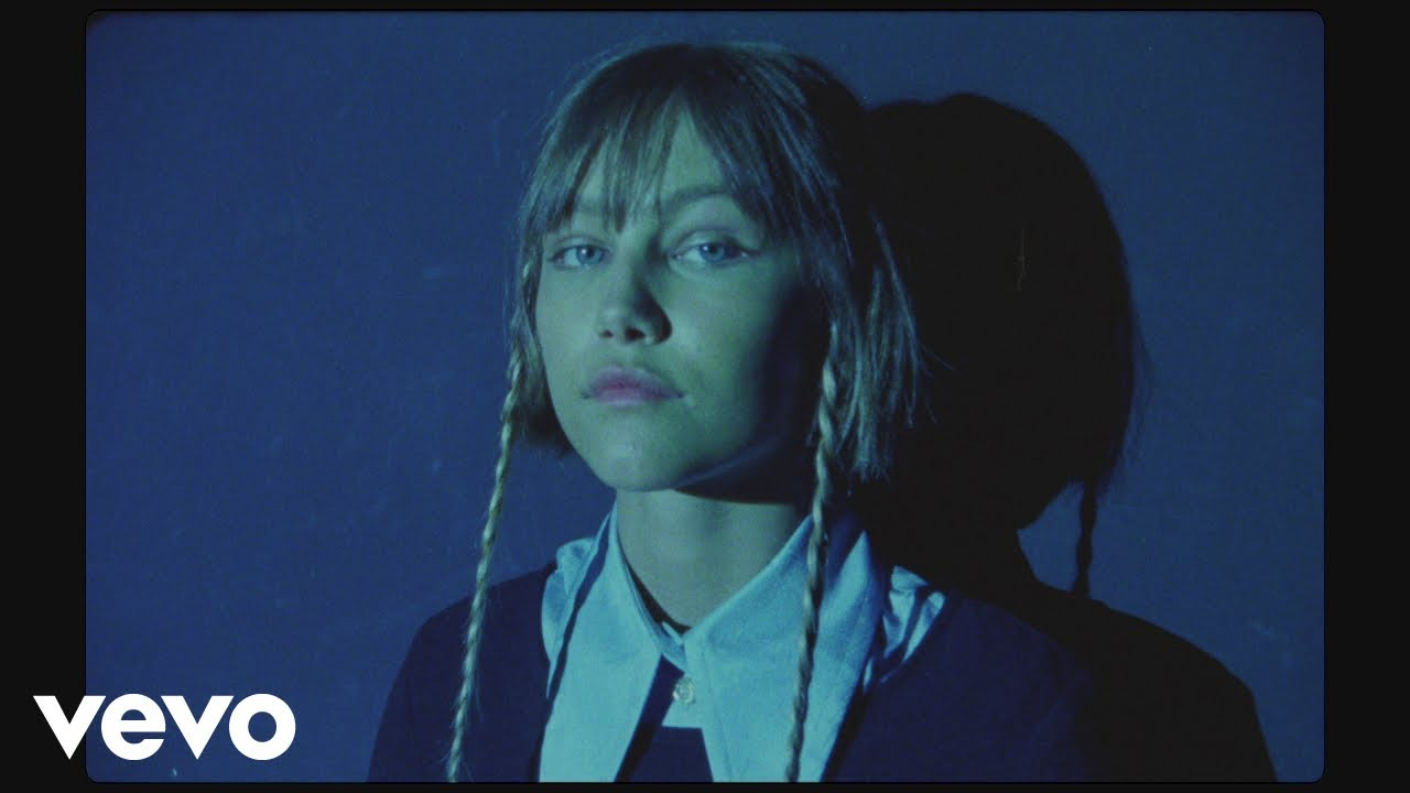 "Grace VanderWaal - 新譜シングル""Waste My Time""のMVを公開 2019年8月9日配信開始 thm Music info Clip"