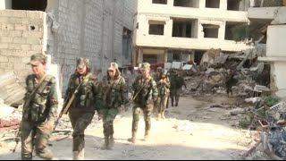 RAW: Syrian female pro-Assad warriors battle jihadists near Damascus