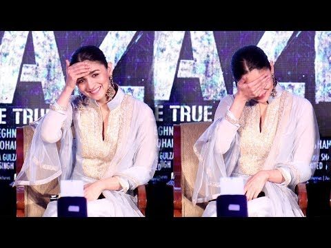 Alia Bhatt's CUTE Moments At Raazi Promotions Will Melt Your Heart thumbnail