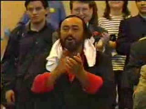 UST Singers singing for PAVAROTTI - LLANGOLLEN EISTEDDFOD