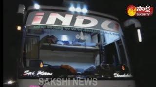 Road Accident In Kurnool : ఆళ్లగడ్డ వద్ద అర్ధరాత్రి ప్రైవేట్ ట్రావెల్స్ బస్సుకు తప్పిన ప్రమాదం - netivaarthalu.com