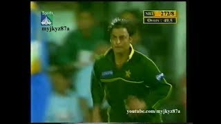 Shoaib Akhtar - MATCH WINNING - 3/45 Vs Sri Lanka at Sharja 2001