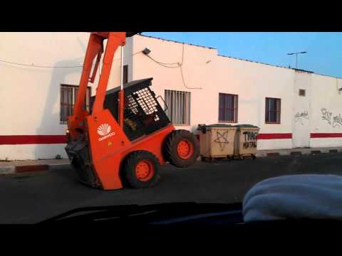 Spanish forklift truck driver wheelies forklift!