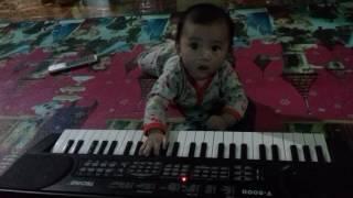 download lagu Subhanallah Bayi Ajaib Bisa Main Piano gratis