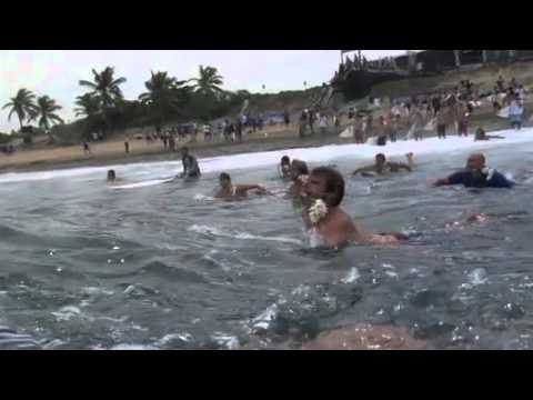 Andy Irons Memorial Paddle Out - Tribute all surfers