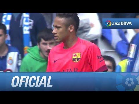 Chut de Neymar que se va por poco por encima del larguero
