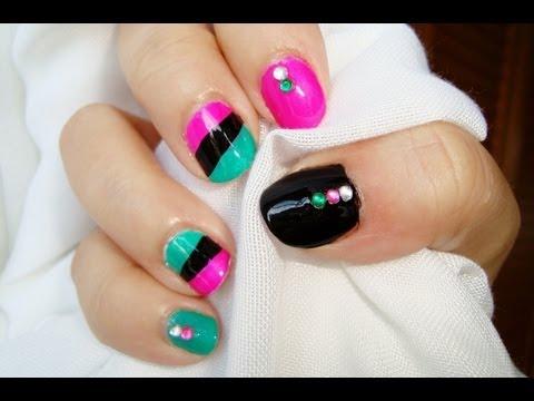 Diseño de uñas cortas punk: rosa verde negro / Punk short nails design: pink g