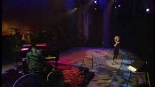 Watch Bette Midler Bed Of Roses video