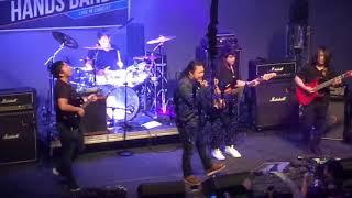 Nrees Xyooj (Hands Band) - Koj Yog Txiv Neej (Live)