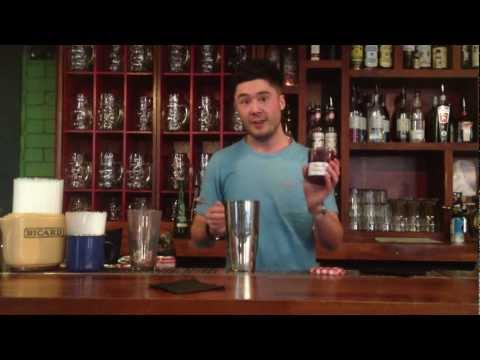 James from Salt Dog Slim's shows you how make a 'St. Tropez Sour'