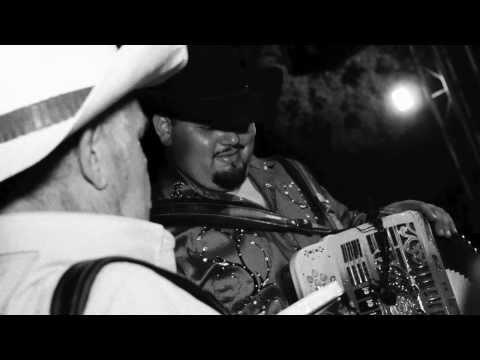 Roman Padilla y Los Reyes de Sinaloa - Comprendala 2013