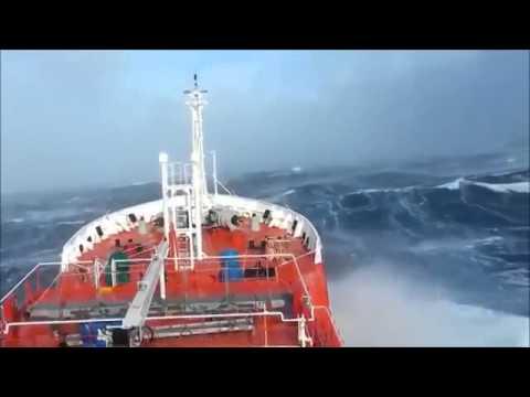 Divulgadas imagens assustadoras das buscas no oceano pelo avião da Malaysia Airlines!   Grande Lata