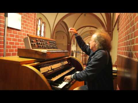 Józef Skrzek plays Minimoog and church organ... again!