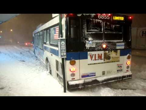 New York City Bus struggles in the snow at Parsons