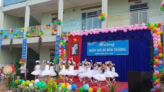 Mừng khai trường, Trường mầm non Sơn Ca, Tiết muc bé múa: Trẻ em hôm nay thế giới ngày mai.