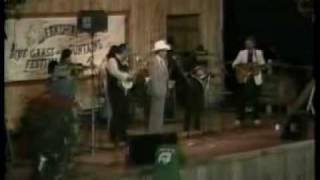 Watch Bill Monroe I Hear A Sweet Voice Calling video