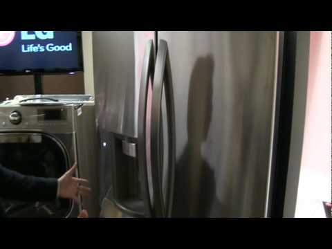 LG Canada demos new four-door fridge; exclusive to Future Shop in 2010
