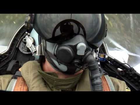 Saab JAS 39 Gripen - Aerial Display [HD]