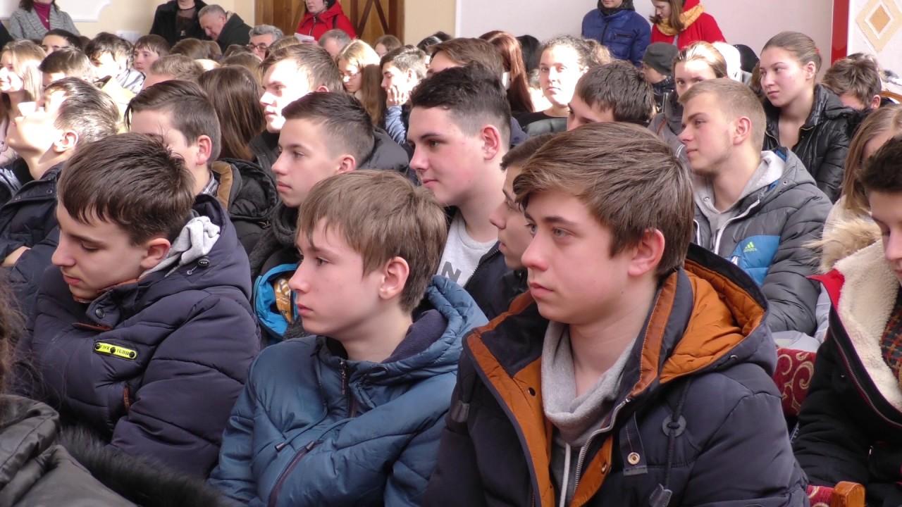 Сім навчальних закладів Прикарпаття запрошували калуських школярів на навчання