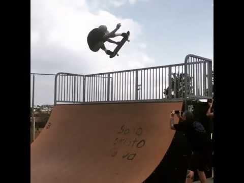 Booksted kickflip melon grabby @shecks   Shralpin Skateboarding