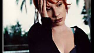 Watch Esthero Swallow Me video