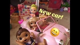 BABY ALIVE: The babies get a Car! Crazy Drivers!