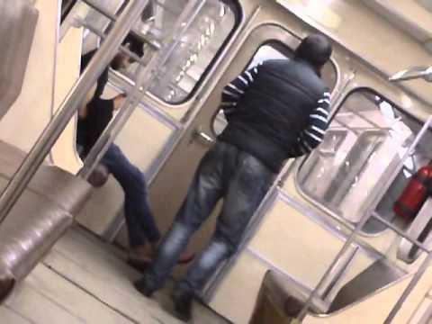Скин и чеченцы в метро.
