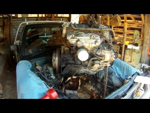 How to remove a Toyota Hilux engine in a few hours - A step by step guide (2.8 diesel 1997)