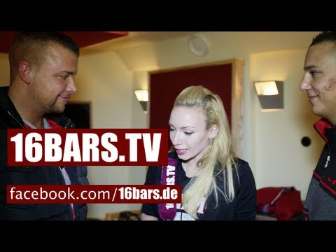 Zu Besuch bei Kollegah & Farid Bang im Studio (16BARS.TV) Music Videos