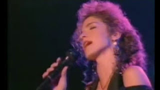 Watch Gloria Estefan Si Voy A Perderte video