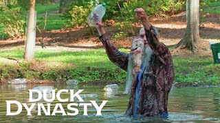 Duck Dynasty: Si Demonstrates Jug Fishing (Season 7, Episode 7) | A&E