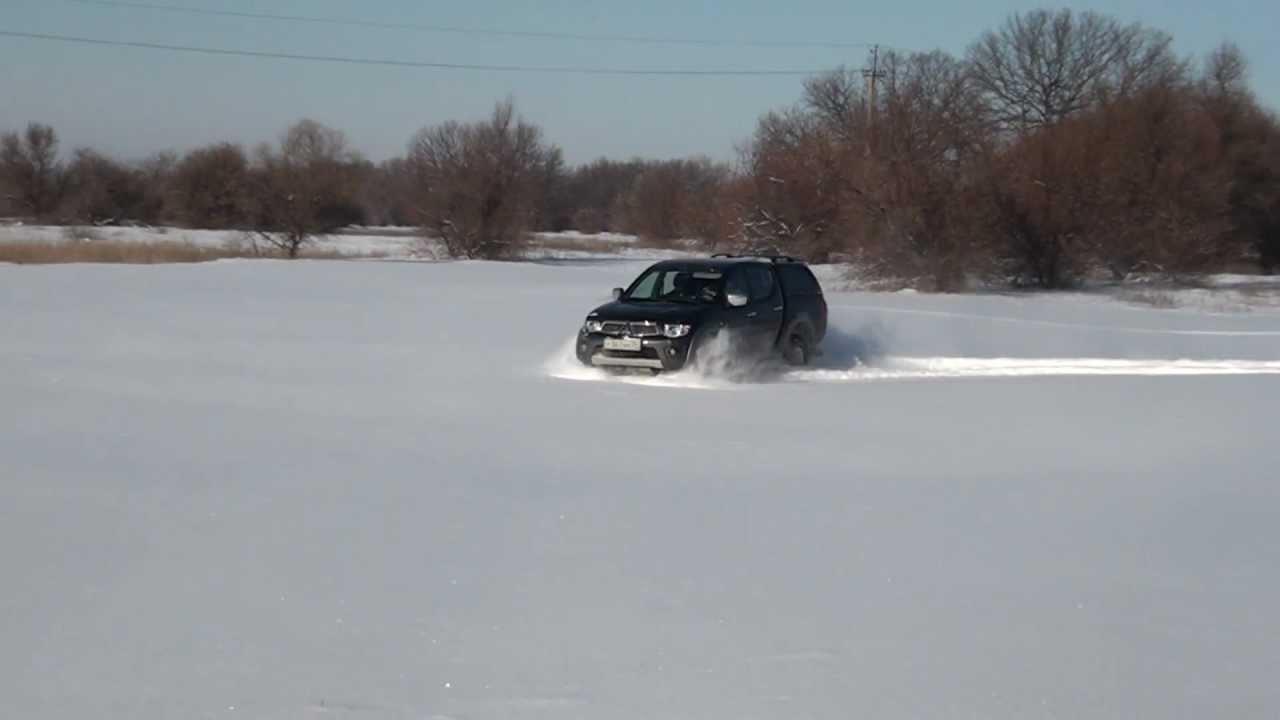 Снега в этом году много