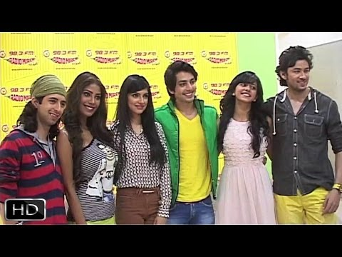 'Yaariyan' Team At Radio Mirchi 98.3 FM