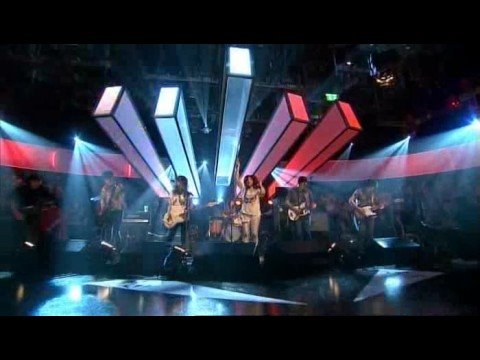 CSS - Let's Make Love And Listen...(Live Jools Holland 2007)