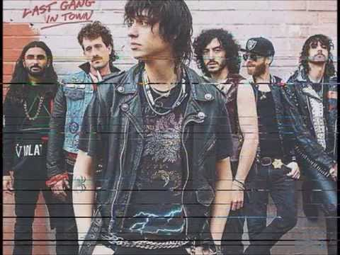 Julian Casablancas  The Voidz - Take Me In Your Army