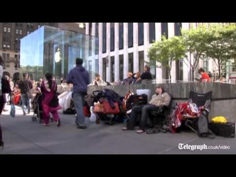 Apple fanatics camp out for iPhone 5