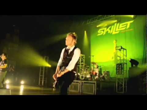 Skillet - The Older I Get (Comatose Comes Alive DVD HQ) Lyrics, Subtitulado