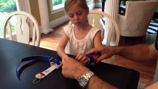 American Gymnast Uneven Bar Grips - Using the Elastic Fingerlock Band