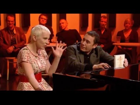 Annie Lennox 12.05.2009 - Here Comes The Rain Again (Later with Jools Holland) HQ