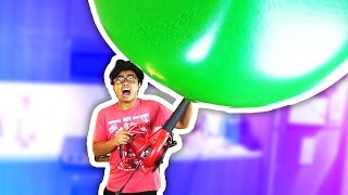 EXPLODING A GIANT BALLOON!