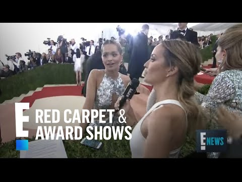 Rita Ora Rocks Sexy Vera Wang at Met Gala 2016 | E! Live from the Red Carpet