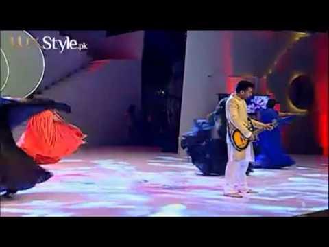 Insha Ji Utho by Atif Aslam in Lux Style Award 2013