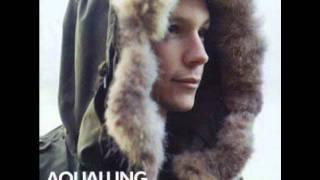 Watch Aqualung Breaking My Heart video