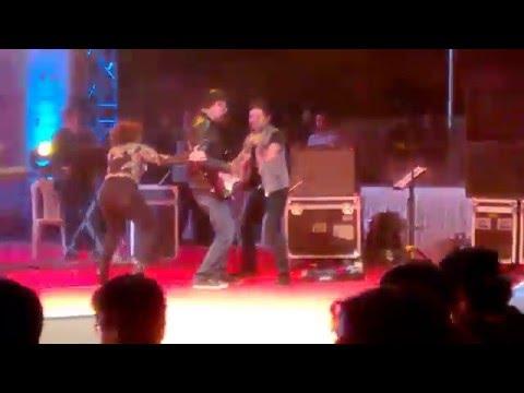 Dilliwali girlfriend- Sunidhi Chauhan & Rakesh Maini live at IIM Ahmedabad