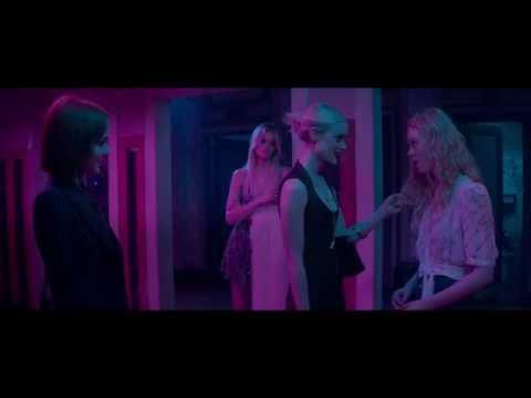 The Neon Demon Movie Clip - Elle Fanning, Jena Malone, Bella Heathcote