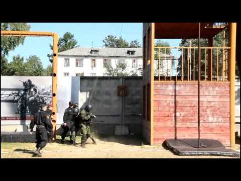 OMSN Ris' and Belorussian MVD Almaz spetsnaz units reppelling