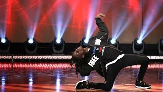 Viral Dancer Salif Gueye Wows Ellen with His Michael Jackson Moves