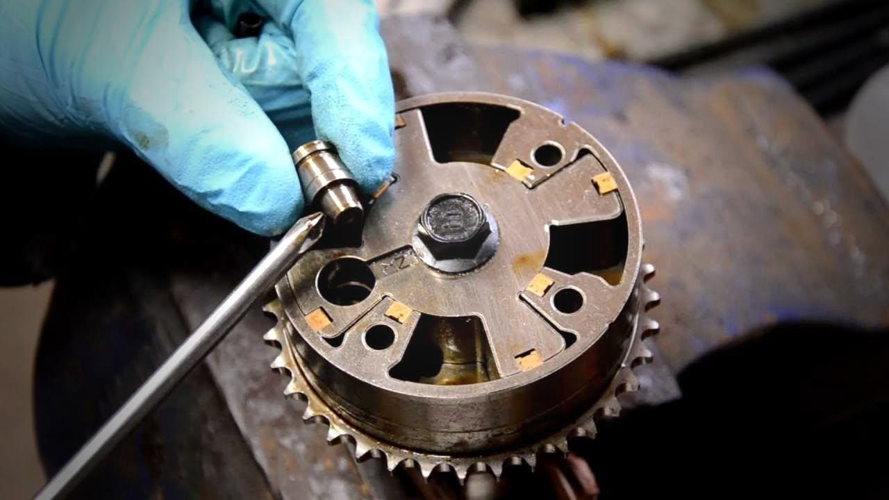 Inside A Toyota Vvt I Camshaft Gear Youtube